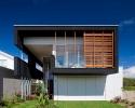 black-beach-house-1