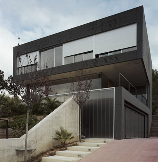 Jon Tugores – CFv01 House