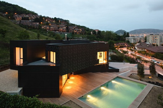 asensio_mah + J.M.Aguirre Aldaz – Q House