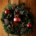 Using Natural Elements in Winter Holiday Decorating
