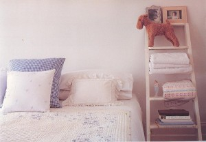 kids bed with ladder shelf 300x208 The Three Main Ingredients For A Great Kids Room