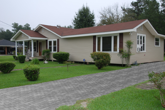 Vinyl-Siding-with-Porch