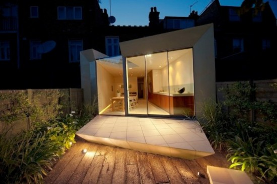 house extension 2 550x366 Modern Extension of Edwardian Terrace House in London