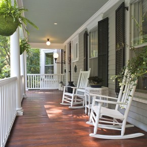 Making Guests Feel Welcome on the Front Porch