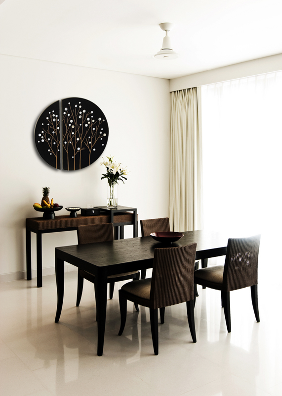 Sleek Decorating with Black and White