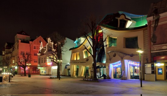 Crooked House1 550x317 The Most Astonishing Buildings From Around the World